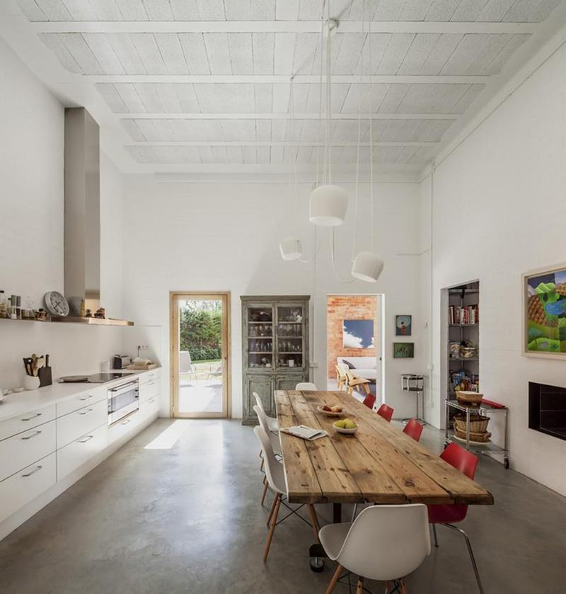 21 Dining Rooms With Beautiful Concrete Floors-19