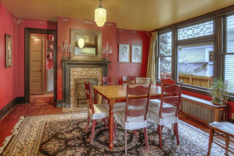 22 Amazing Craftsman Dining Room Designs-13