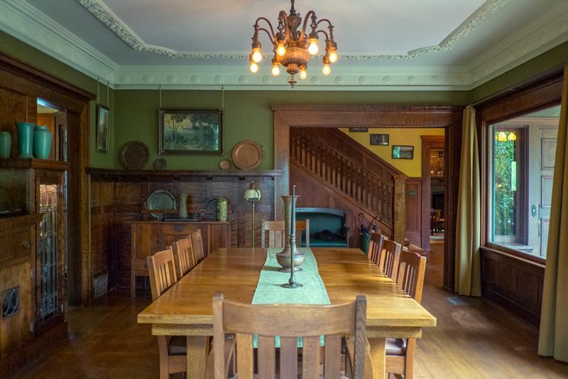 22 Amazing Craftsman Dining Room Designs-17