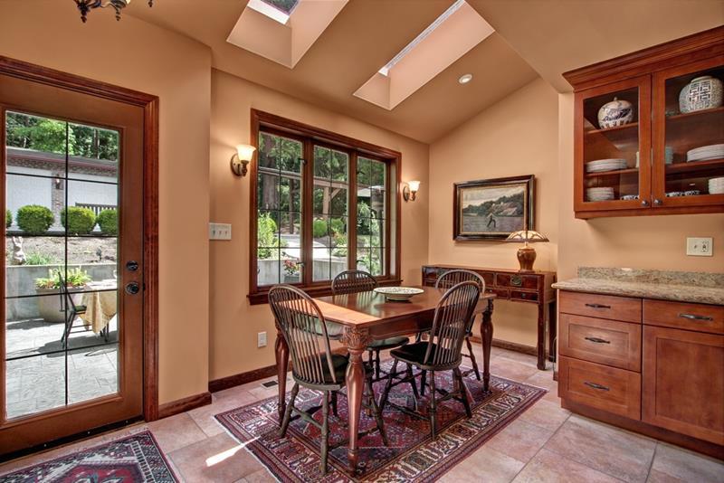 22 Amazing Craftsman Dining Room Designs-18