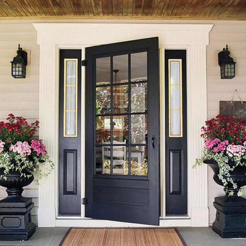 22 Pictures of Homes With Black Front Doors-16