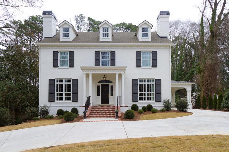 22 Pristine White Home Exteriors-16