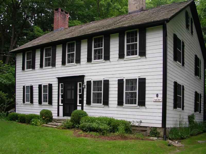22 Pristine White Home Exteriors-17
