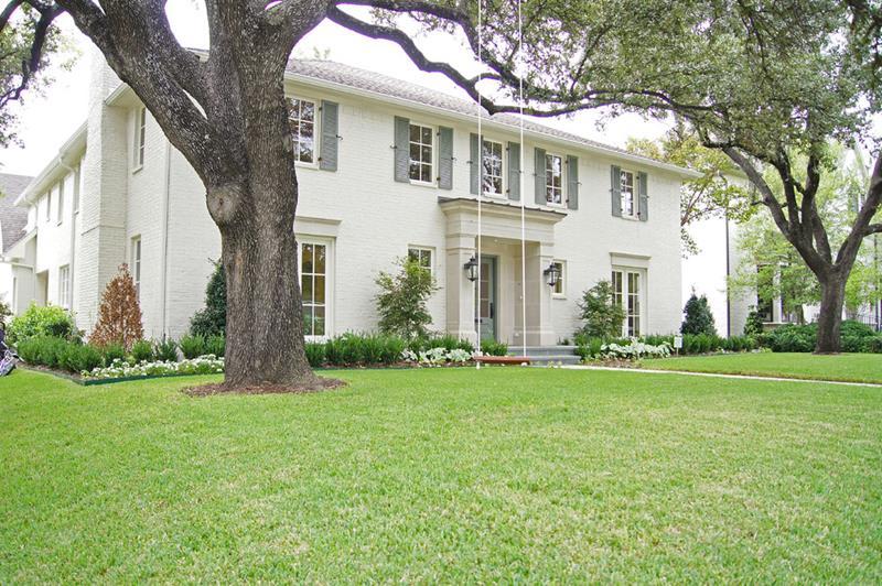 22 Pristine White Home Exteriors-21