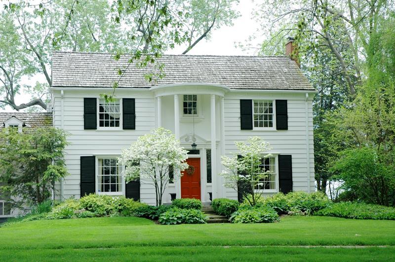 22 Pristine White Home Exteriors-title