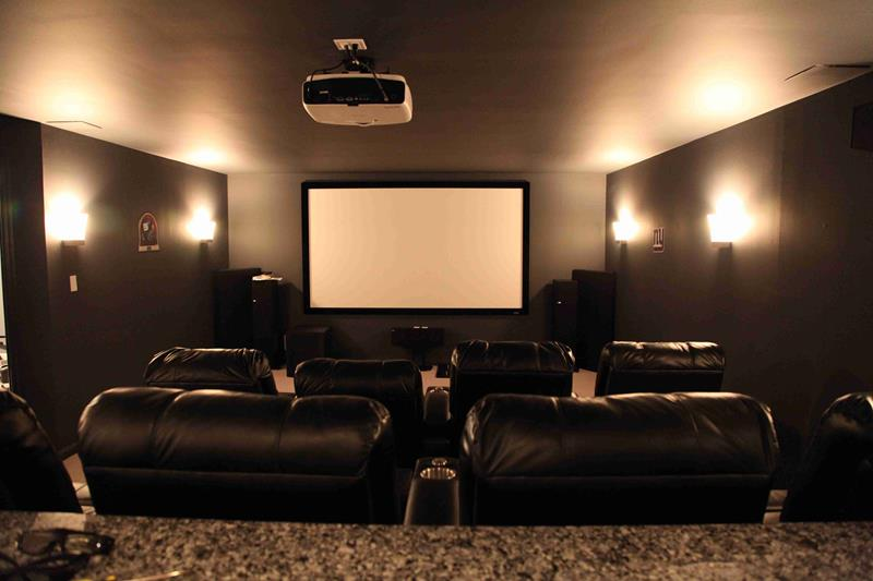 23 Amazing Finished Basement Theaters for Movie Time-14