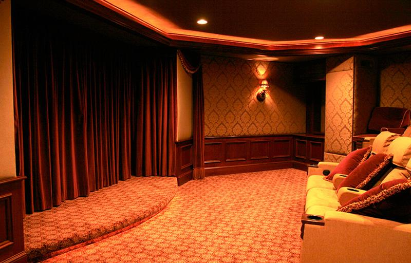 23 Amazing Finished Basement Theaters for Movie Time-21