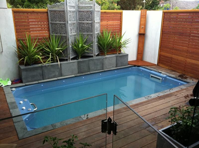 23 Amazing Small Swimming Pool Designs-10