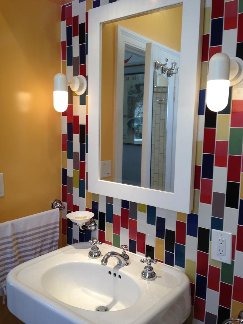 23 Charming and Colorful Bathroom Designs-10