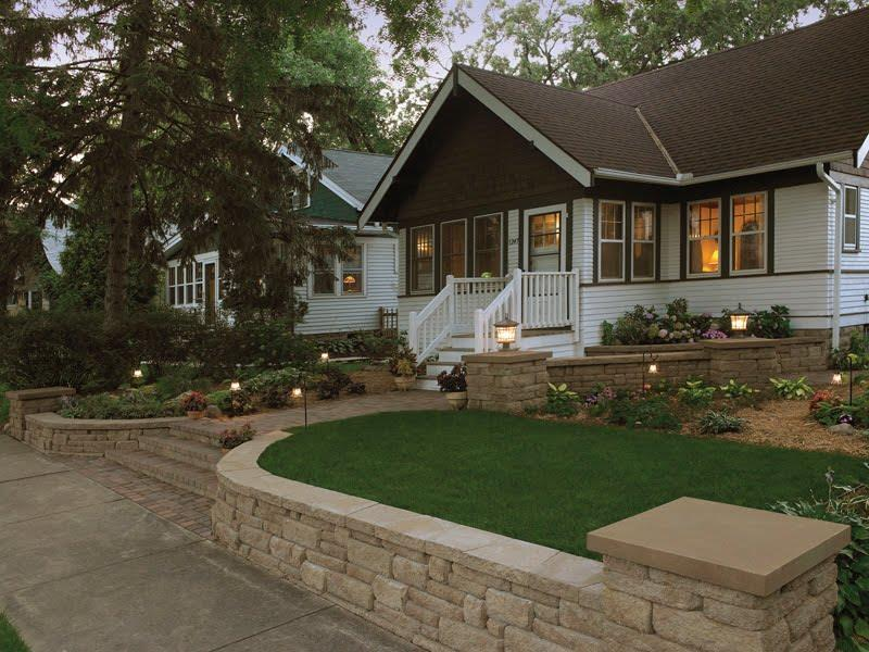 23 Pictures of Beautifully Landscaped Front Yards-11