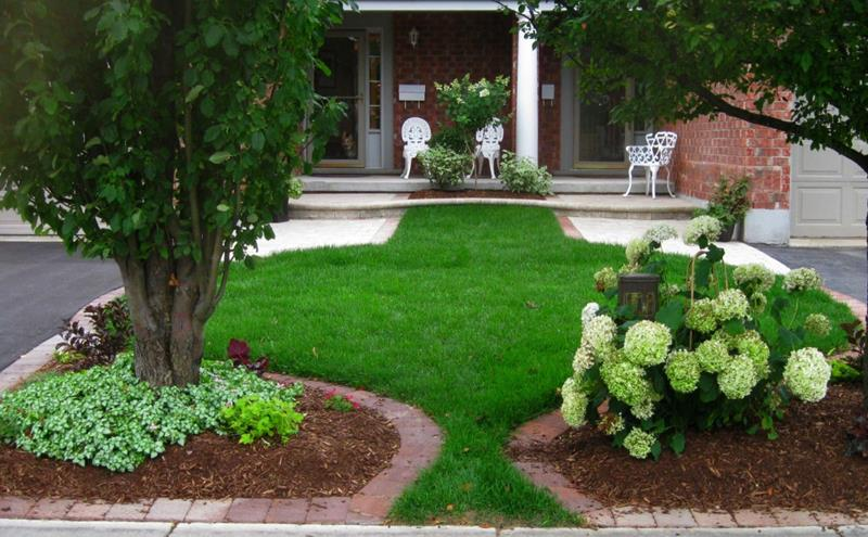 23 Pictures of Beautifully Landscaped Front Yards-8