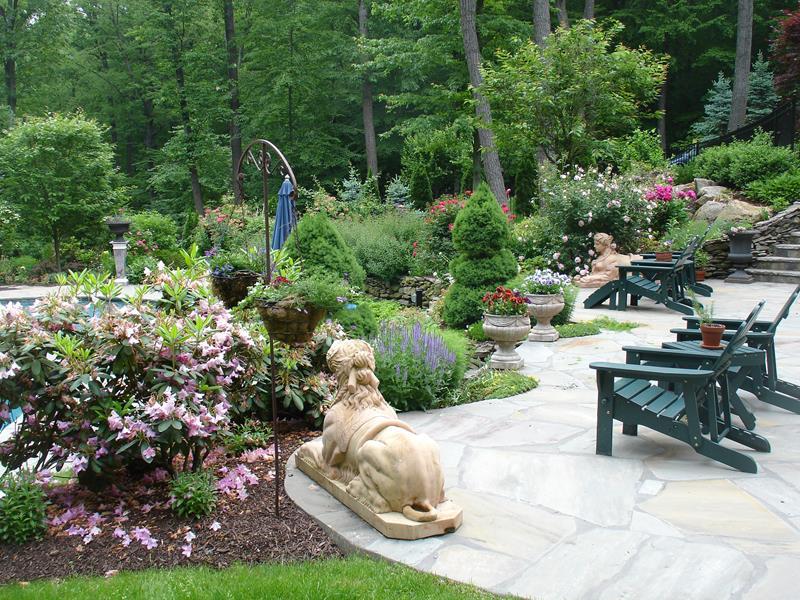 24 Beautiful Backyard Landscape Design Ideas-10