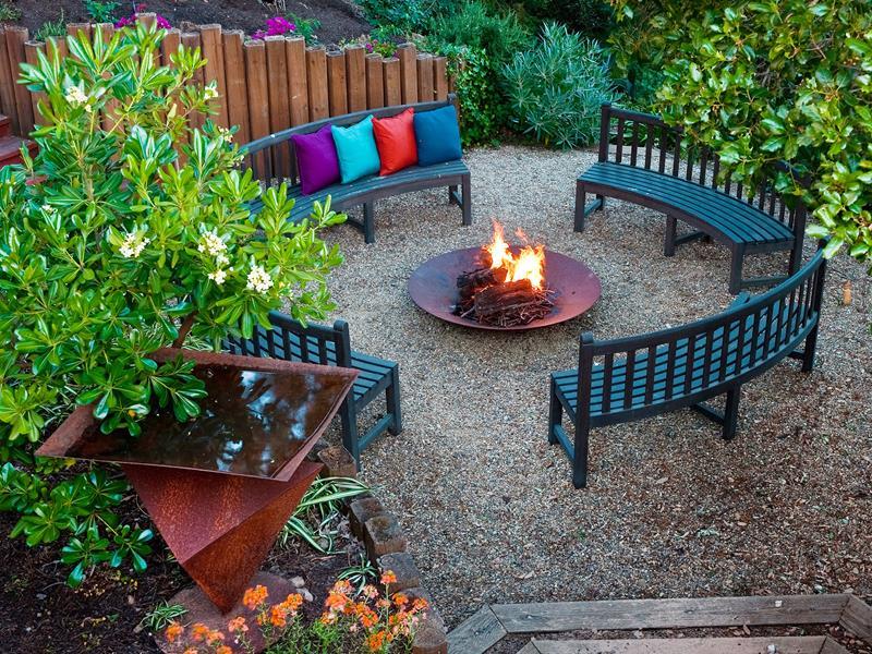 24 Beautiful Backyard Landscape Design Ideas-11