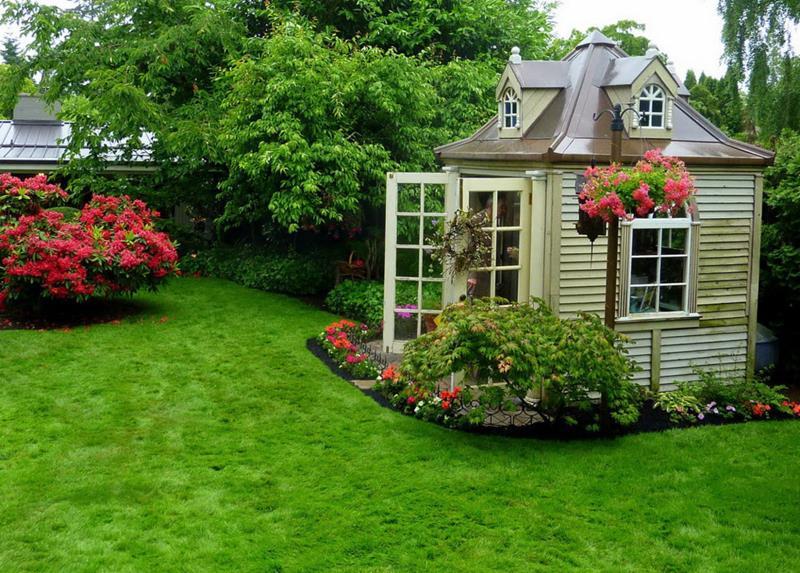24 Beautiful Backyard Landscape Design Ideas-14
