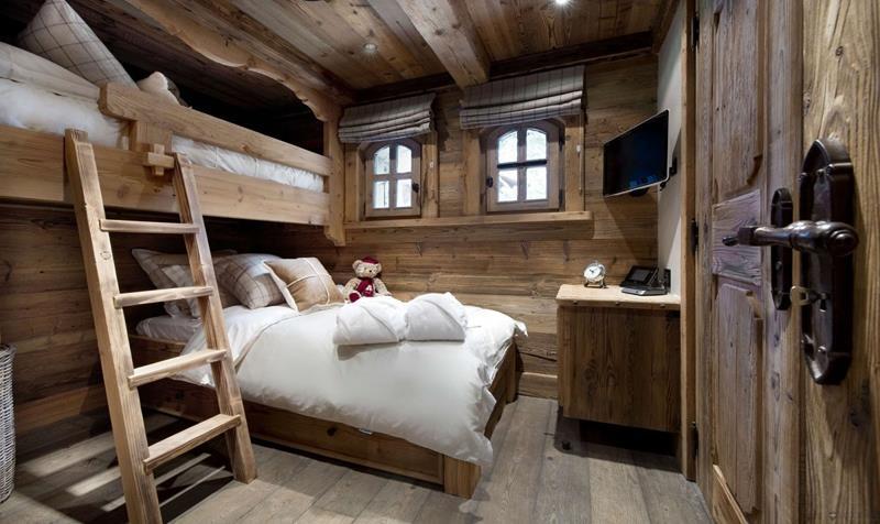 24 Beautiful Rustic Bedroom Designs-6