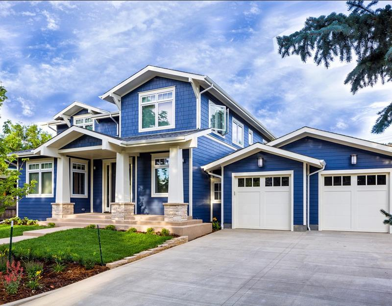 24 Beautifully Blue Home Exteriors-title