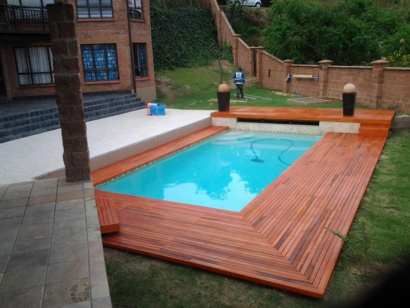 25 Awesome Pools With Equally Awesome Decks-10