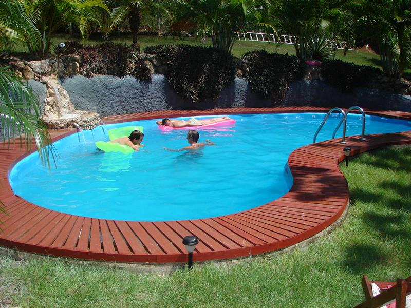 25 Awesome Pools With Equally Awesome Decks-6
