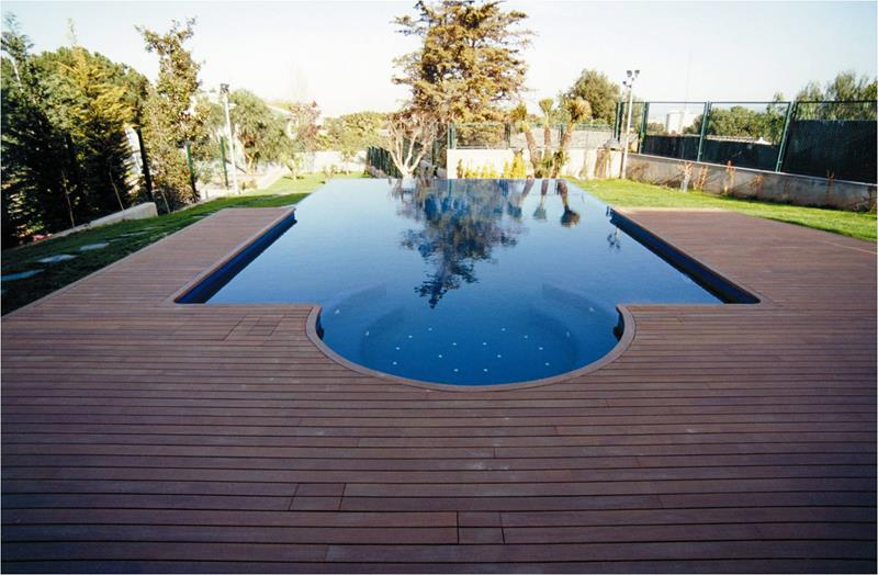 25 Awesome Pools With Equally Awesome Decks-9