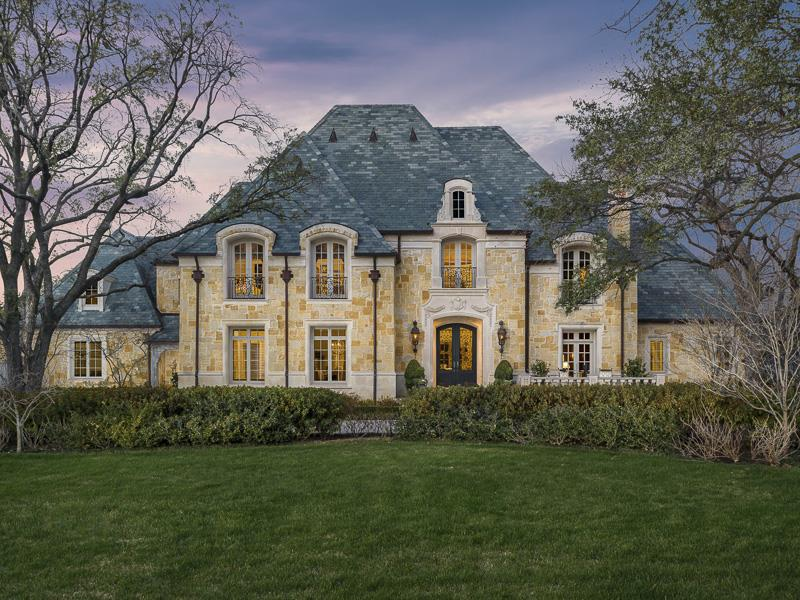 25 Luxury Home Exterior Designs-18