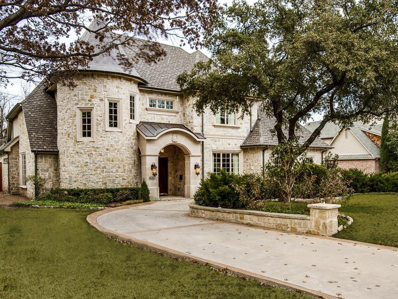 25 Luxury Home Exterior Designs-21