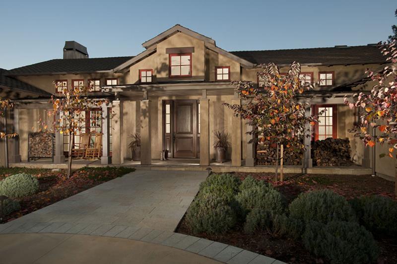 25 Luxury Home Exterior Designs-24