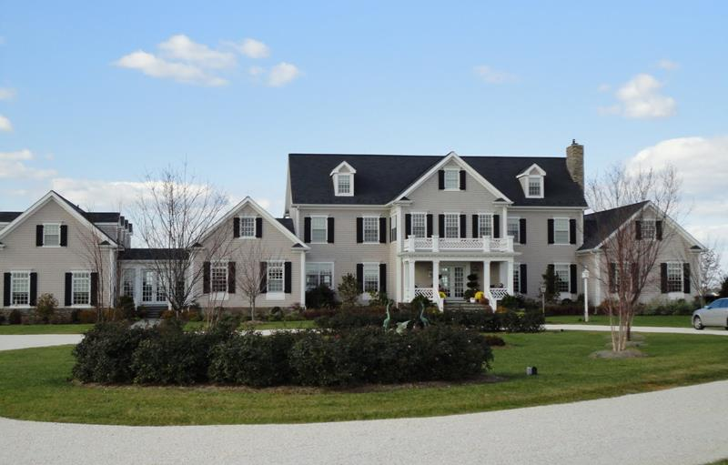 25 Luxury Home Exterior Designs-25
