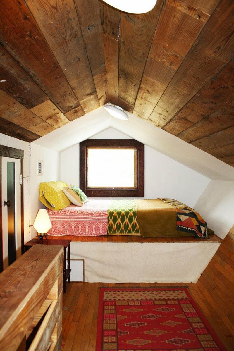 26 Amazing and Inspirational Finished Attic Designs-11