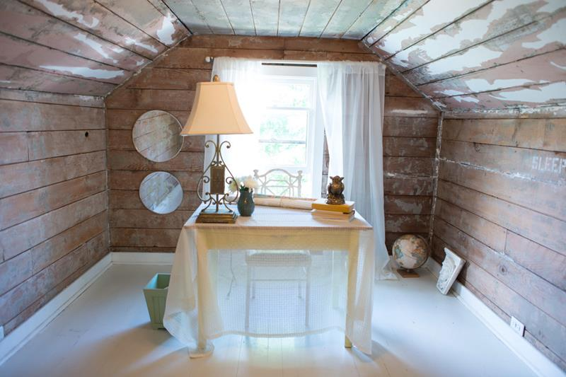 26 Amazing and Inspirational Finished Attic Designs-23