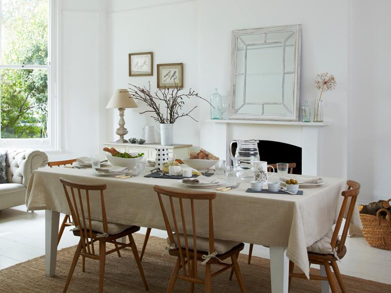 26 Beautiful and Bright Dining Room Designs-20