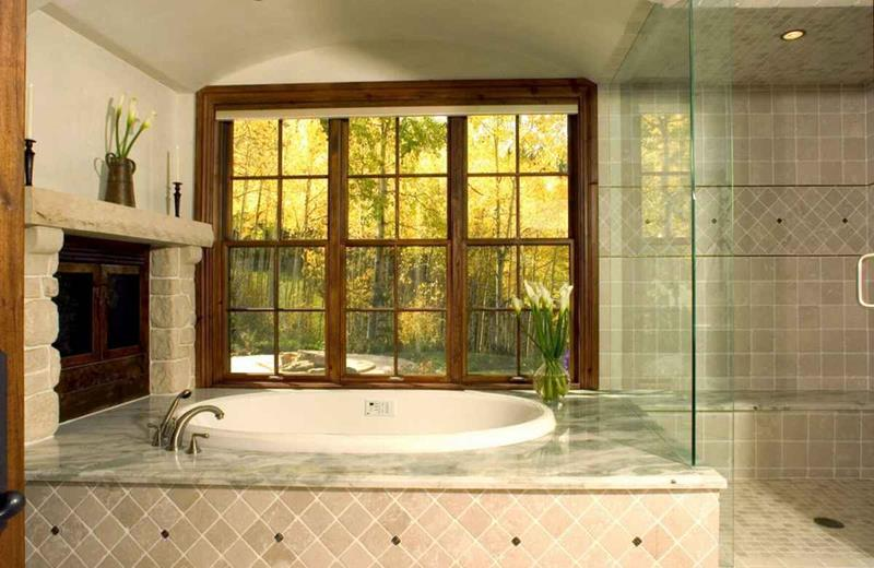 28 Stunningly Luxurious Bathroom Designs-21
