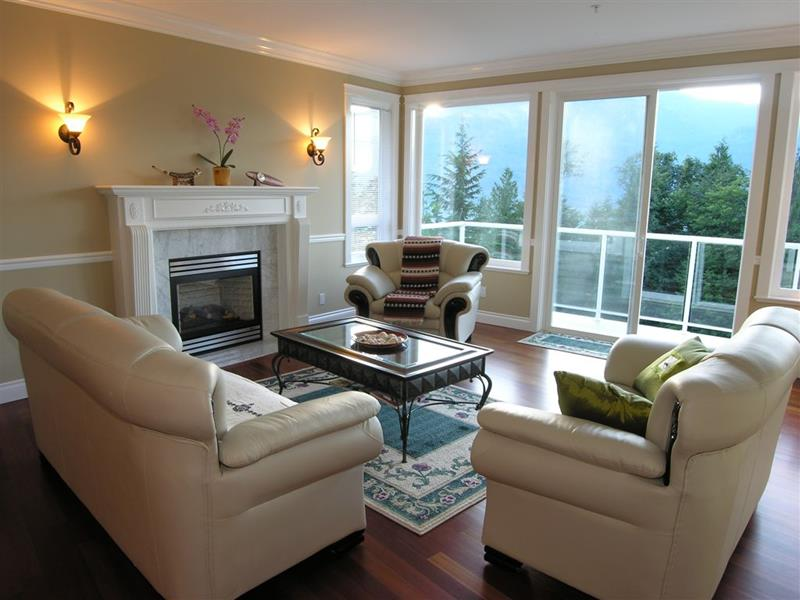 74 Small Living Room Design Ideas-43