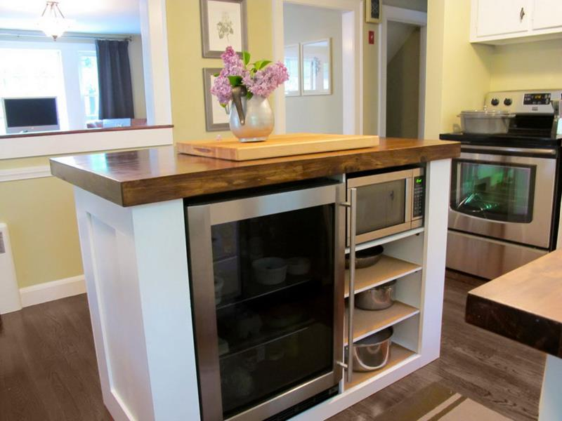 51 Awesome Small Kitchen With Island Designs-10
