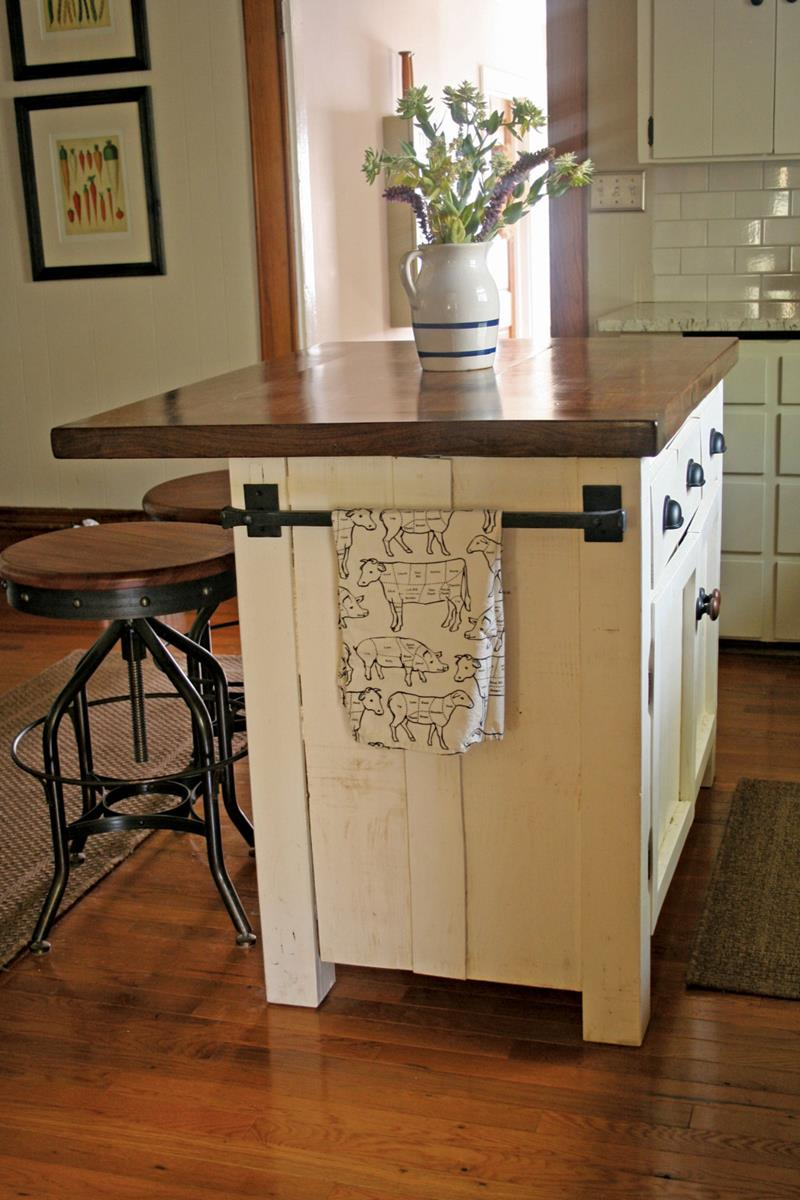 51 Awesome Small Kitchen With Island Designs-31