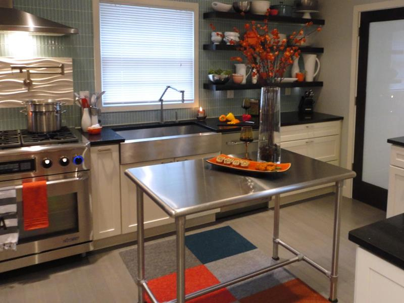 51 Awesome Small Kitchen With Island Designs-34