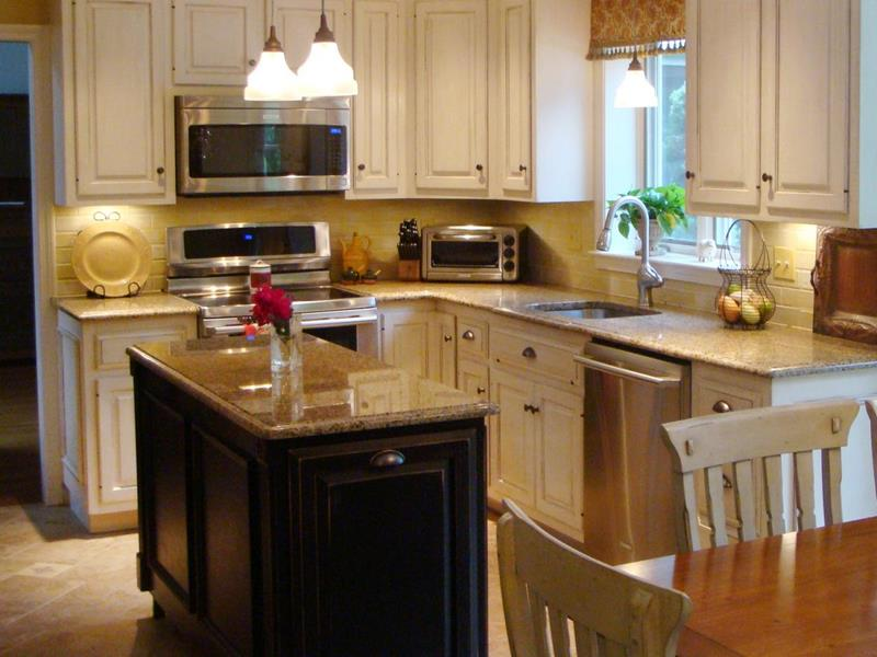 51 Awesome Small Kitchen With Island Designs-title