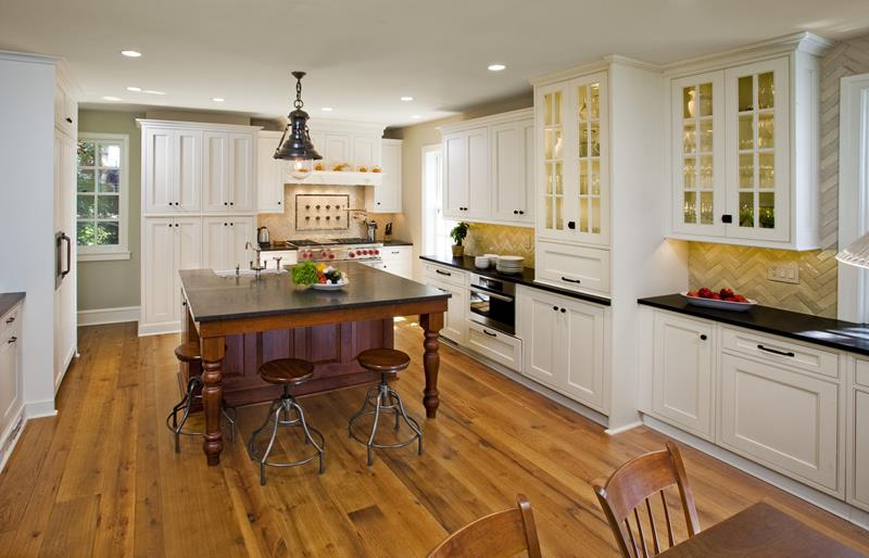 53 Charming Kitchens With Light Wood Floors-16