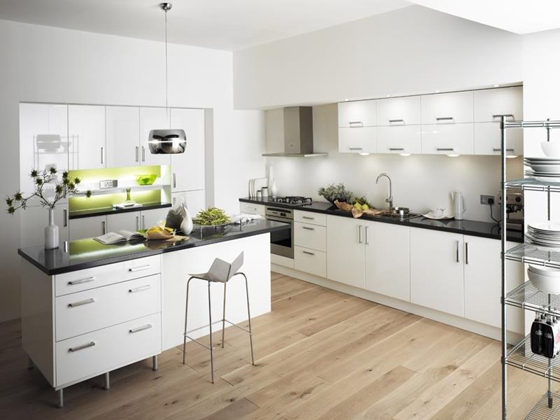 53 Charming Kitchens With Light Wood Floors-18