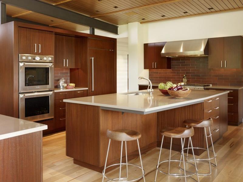 53 Charming Kitchens With Light Wood Floors-4