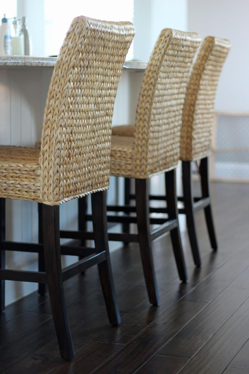 A Guide to Different Types of Barstools and Counter Stools-title