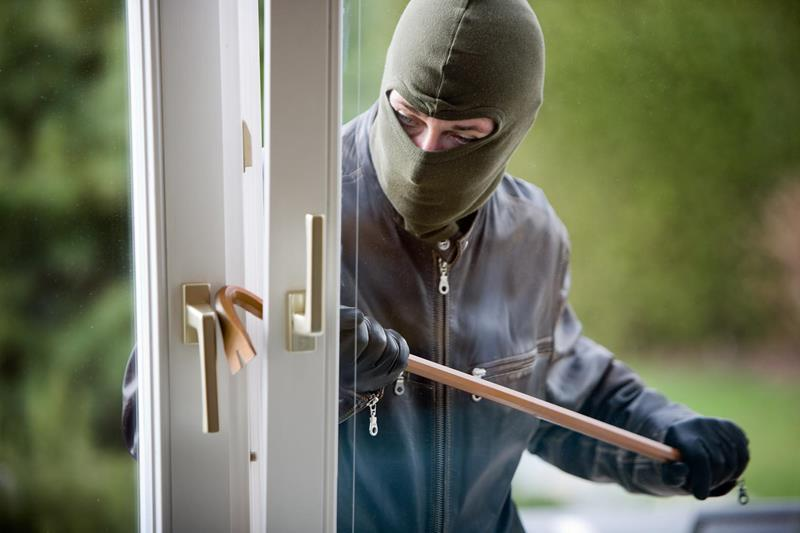 A Guide to Home Security Systems-title