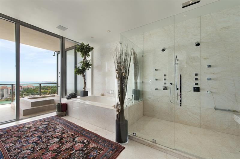 132 Custom Luxury Bathrooms-101