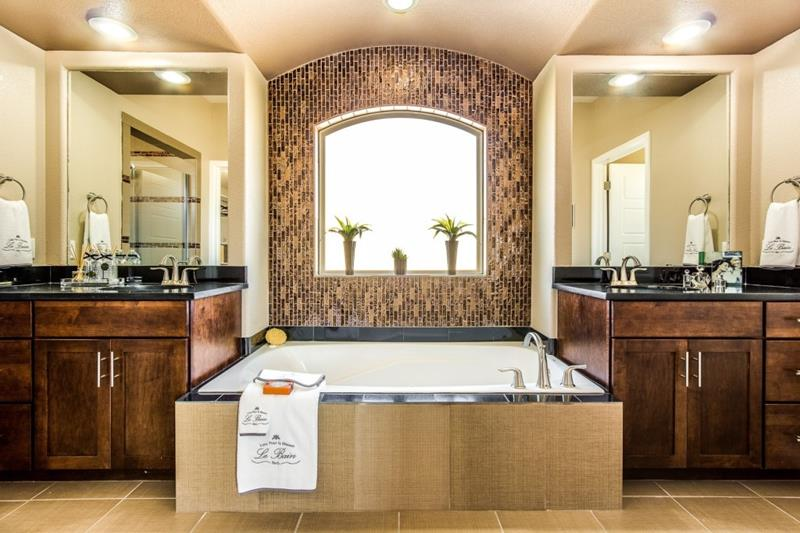 132 Custom Luxury Bathrooms-115