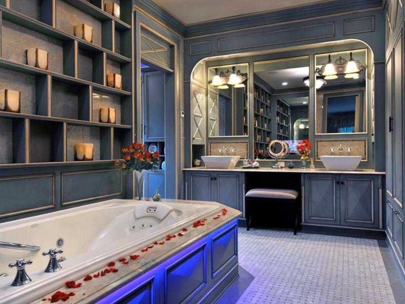 132 Custom Luxury Bathrooms-37