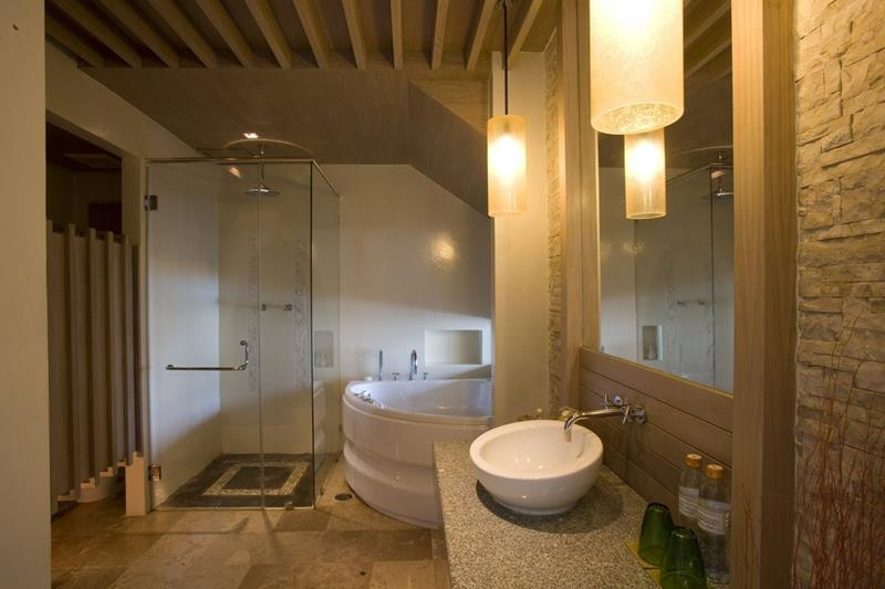 132 Custom Luxury Bathrooms-41