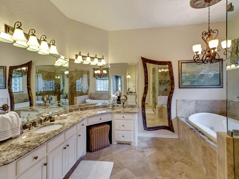 132 Custom Luxury Bathrooms-52