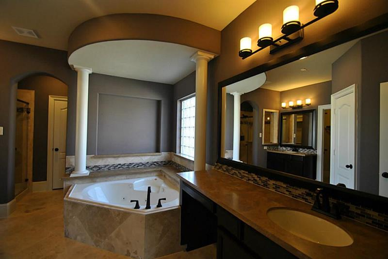 132 Custom Luxury Bathrooms-76