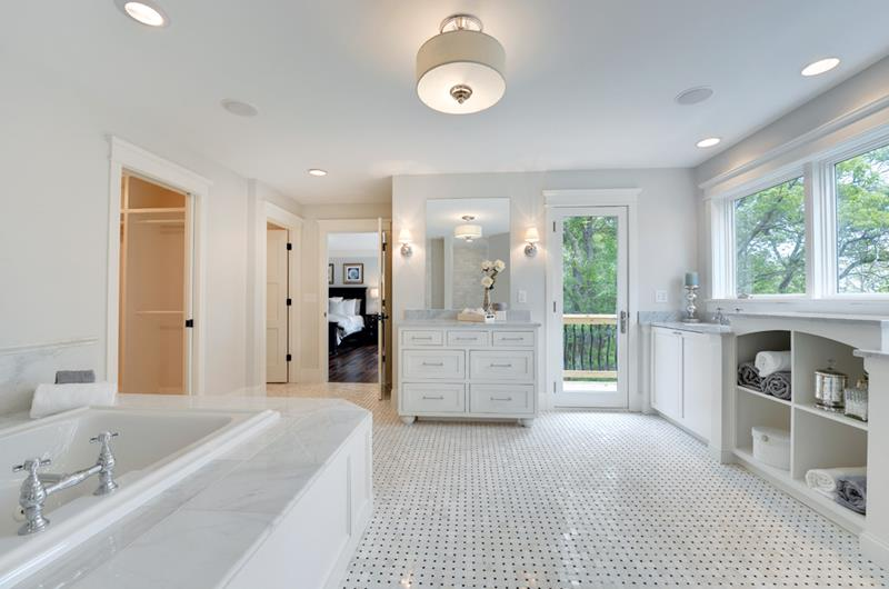 132 Custom Luxury Bathrooms-84