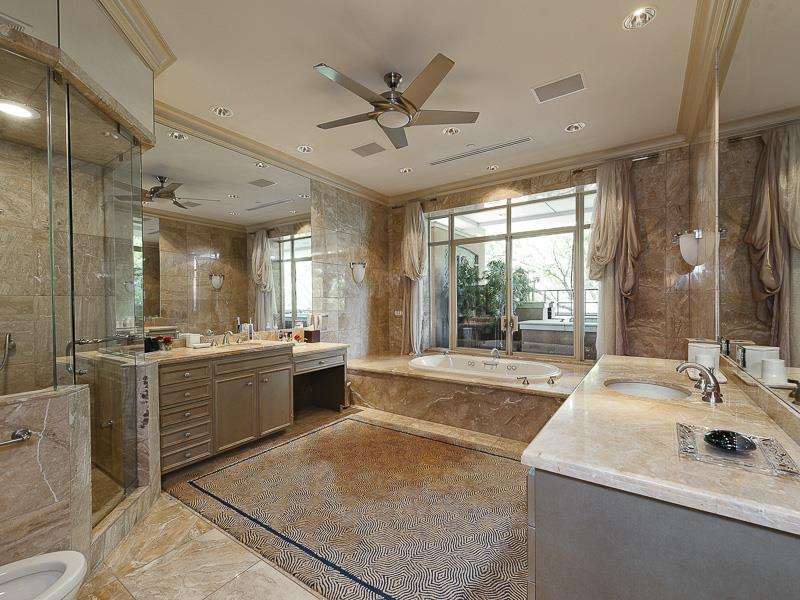 132 Custom Luxury Bathrooms-88