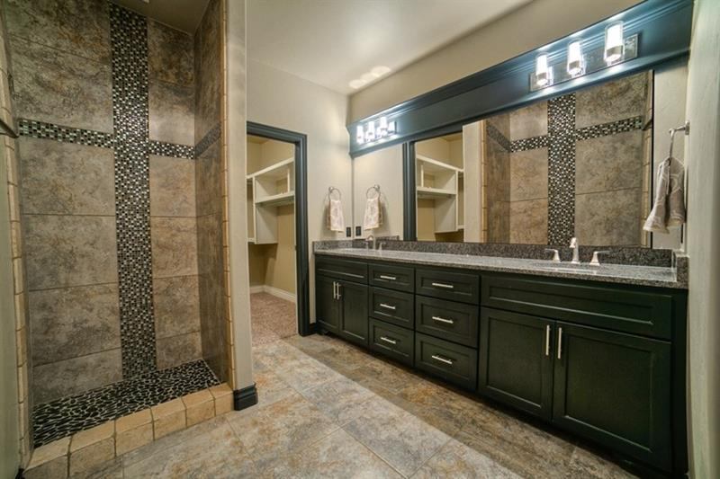 132 Custom Luxury Bathrooms-93